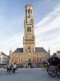 中世纪钟楼在布鲁日的历史中心 免版税库存图片