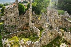 中世纪镇的黑山废墟 免版税库存照片