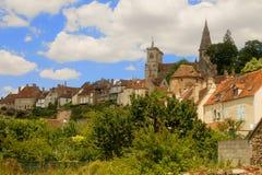 中世纪镇Semur en Auxois,伯根地,法国 免版税库存照片