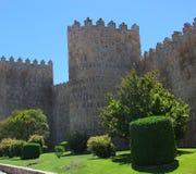 中世纪阿维拉墙壁 免版税库存图片