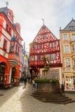 中世纪集市广场在Bernkastel-Kues,德国 免版税库存图片