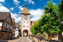 中世纪,半木料半灰泥的建筑学在阿尔萨斯,法国 免版税库存照片