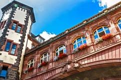中世纪1900年- 1908新巴洛克式的老城镇厅在法兰克福,德国 免版税库存照片