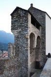 中世纪贝林佐纳的堡垒 库存照片