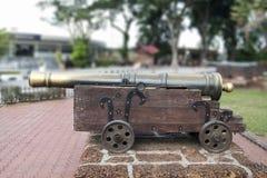 中世纪黄铜大炮 免版税库存照片