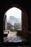 中世纪Ajlun城堡的露台在约旦在雨中 库存图片