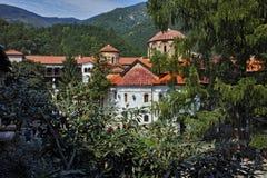中世纪Bachkovo修道院惊人的全景  库存图片