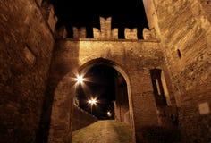 中世纪bazzano的城堡 库存图片