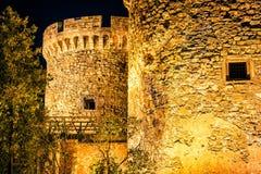 中世纪Kalemegdan堡垒在晚上 贝尔格莱德塞尔维亚 免版税图库摄影