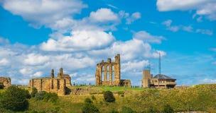 中世纪Tynemouth小修道院和城堡,英国废墟  免版税库存照片