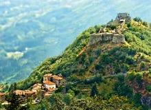 中世纪verrucole城堡garfagnana托斯卡纳意大利 免版税库存图片