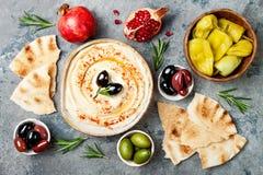 中东传统晚餐 地道阿拉伯烹调 Meze党食物 顶视图,平的位置,顶上 库存图片