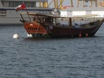 中东阿曼,马斯喀特港口,Dhau美丽如画的风景使摄影环境美化 库存照片