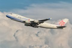 中华航空公司货物波音747 库存照片