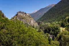 中古时期城堡和森林, Queyras地区,阿尔卑斯,法国 库存图片