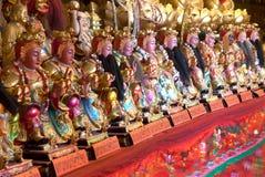 中国上帝雕象在Wat Phanan Choeng,阿尤特拉利夫雷斯,泰国 图库摄影