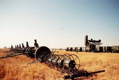 中国东北靶场,飞行在导弹发射装置的一台军用运输机 免版税图库摄影