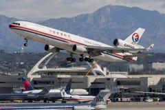中国东方航空股份有限公司货物麦克当诺道格拉斯公司MD-11 免版税库存图片