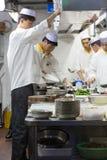 中国人厨师在工作,上海 免版税库存图片