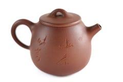 中国人宜兴黏土有insription的茶罐:周挺Shou郅 库存图片