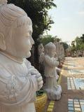 中国人寺庙和雕象神与白天 免版税图库摄影