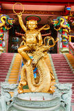 中国人寺庙寺庙眼镜蛇雕象 免版税库存图片