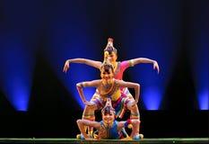 中国人舞蹈民间乐趣笑作用 库存图片