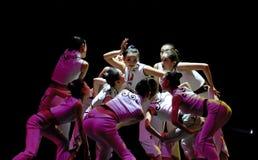 中国人舞蹈组现代快速舌头韦 免版税库存图片