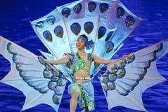 中国人戴种族舞蹈家 库存图片