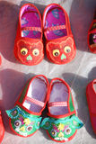 中国传统婴孩布料鞋子 免版税库存图片