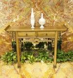 中国传统木书桌 库存图片