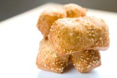 中国包括的油炸馅饼植入芝麻 图库摄影