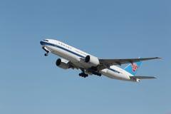 中国南方航空公司波音777 免版税库存图片