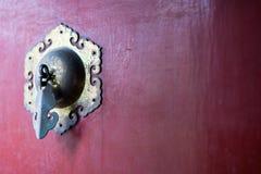 中国古铜色通道门环 免版税库存图片