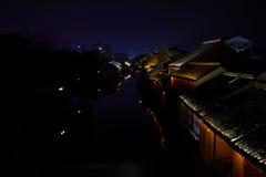 中国古镇夜视图  库存照片
