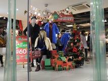 中国圣诞节销售装饰在商店 免版税图库摄影