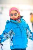 中国女孩实践滑雪 免版税库存照片