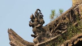 中国寺庙的传统屋顶房檐 影视素材