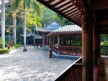 中国庭院和古老大厦 免版税库存照片