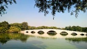 中国式曲拱桥梁 免版税图库摄影