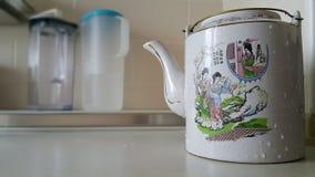 中国式茶罐 库存图片