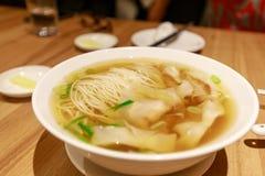 中国式馄饨汤面 免版税库存照片