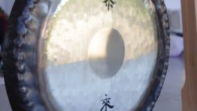 中国文化仪器黄铜锣 影视素材