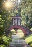 中国桥梁1786在亚历山大公园在普希金在圣彼得堡附近的Tsarskoye Selo, 库存图片