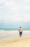 中国海滩的人在岘港在越南 库存图片
