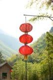 中国灯笼在中国村庄 免版税库存照片