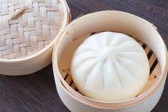 中国烹调蒸的小圆面包 库存图片