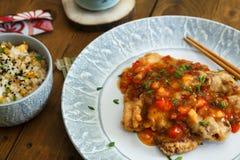 中国烹调,酸和甜猪肉用菠萝和胡椒 免版税库存图片
