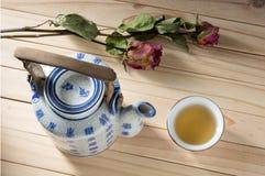 中国瓦器茶壶 免版税库存照片