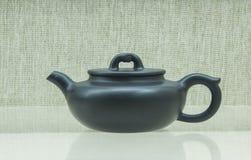中国的紫色沙子茶壶 库存图片